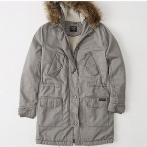 Abercrombie & Fitch winter jacket fur hood-NWT!